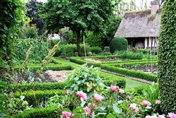 Le jardin de la maison Corneille