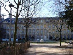 La Façade côté jardins de l'Hôtel de Ville